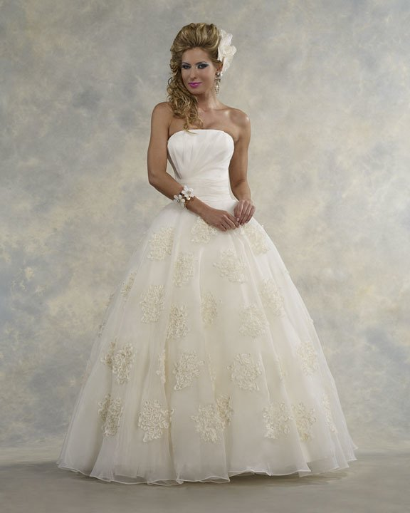 Dymeonds Bridal Boutique