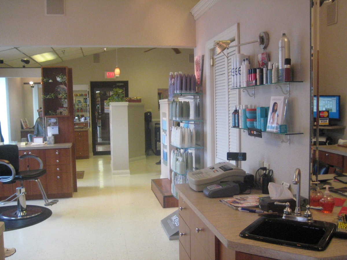 Scott Jung's Hair and Company Salon and Tanning